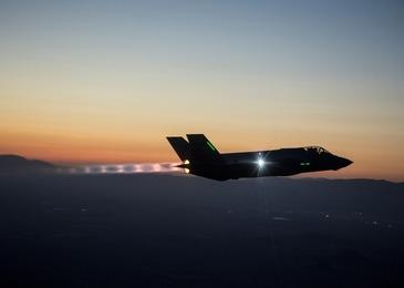 O aeronava militara cu peste 100 de persoane la bord a disparut de pe radare in apropiere de localitatea Dawei