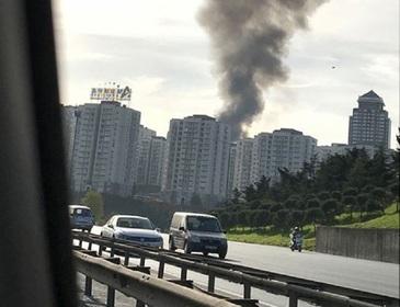Incendiu devastator intr-un spital din Istanbul. Mai multe etaje au fost cuprinse de flacari