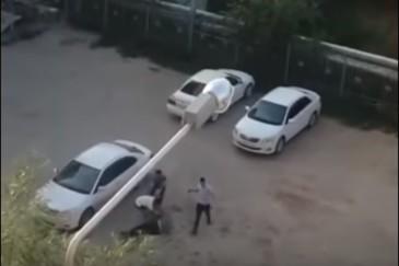 Halucinant! Un sofer de taxi a fost lovit cu caramizi in cap de 4 pasageri. Totul a pornit de la plata cursei