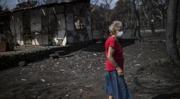 Grecia isi plange din nou mortii! Peste 96 de persoane au murit in noi incendii de vegetatie! Tara pare urmarita de blesteme dupa ce zilnic e lovita de tragedii uriase!