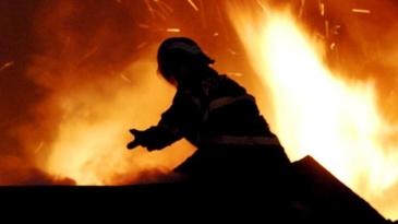 Incendiu devastator! Peste 39 de case si cladiri au luat foc in apropiere de Boston