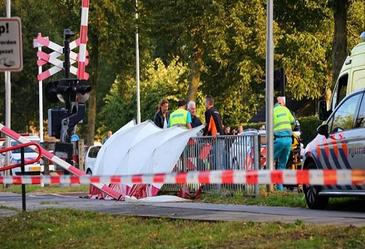 Doliu in Olanda. Patru copii au murit loviti de un tren, iar al cincilea este in stare critica