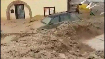 Furtună extrem de violentă într-o comunitate de români din Spania! Viiturile au făcut prăpăd