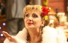 Imagini emotionante din casa Ilenei Ciuculete! Uite cum isi amenajase regretata solista coltul in care isi strangea toate trofeele primite de-a lungul carierei!