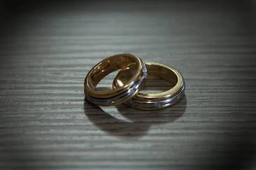 De ce nu e bine sa porti verigheta pe degetul mijlociu! Iata de ce trebuie sa o tii pe inelar si ce se spune in popor despre cei care nu respecta aceasta regula!