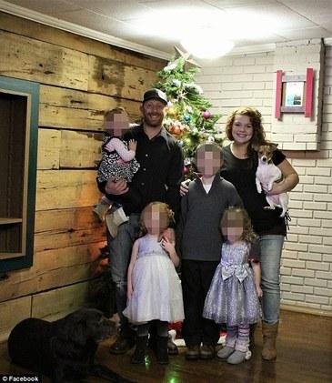 Incredibil! Doua fetite, lasate singure in casa, au supravietuit miraculos unei explozii care s-a declansat cand copilele se jucau la cuptorul cu gaze