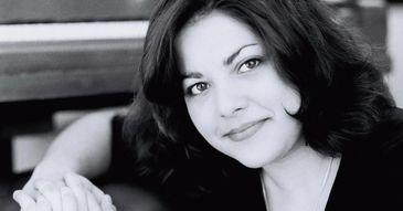 """Povestea casniciei ratate a regretatei pianiste Mihaela Ursuleasa: """"Baiatul facea parte dintr-o secta din America. Si, in timp, Mihaela a devenit tot mai nefericita langă el!"""""""