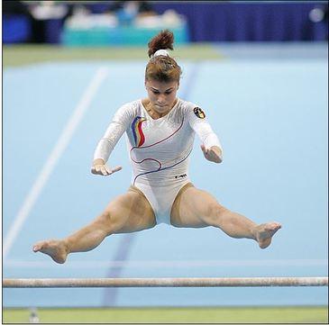 E oficial! Gimnasta Silvia Stroescu merge la Exatlon 2. Uite imaginea cutremuratoare pe care a postat-o celebra gimnasta acum ceva timp. E absolut socanta!