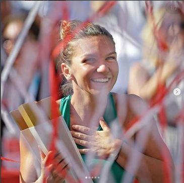 Gigi Becali se roaga pentru Simona Halep. Inainte de meciurile de tenis importante, milionarul ii trimite si sms-uri sportivei