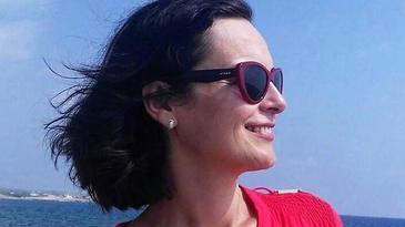 Lectie de generozitate! Violeta si-a pierdut sotul din cauza cancerului. Tragedia din viata sa a transformat-o in sprijin pentru alti oameni