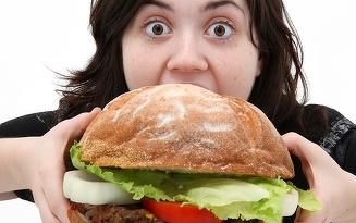 Cât de periculoasă este dependenţa de fast-food! Iată cele mai mari dezavantaje!