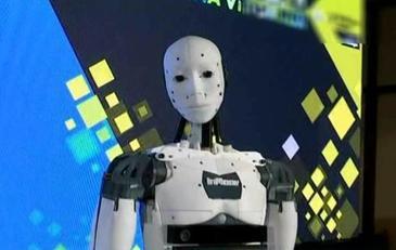 """InMoov, primul robot realizat cu o imprimanta 3D. Iata de ce a fost denumit """"barbatul ideal"""""""