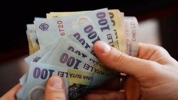Salariile bugetarilor cresc cu 25% de la 1 ianuarie, in timp ce sporurile si indemnizatile se majoreaza de la 1 martie