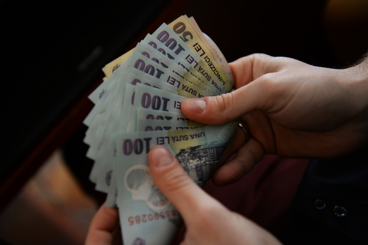 Un bucurestean castiga un salariu mediu cu 800 de lei mai mult decat alt angajat din tara. Ce salarii sunt in Capitala?