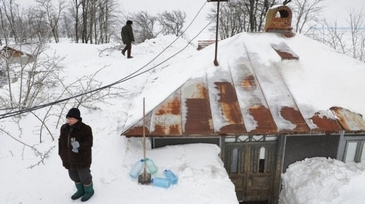Ne aşteaptă o iarnă grea? ANRE: Furnizorii sunt obligaţi să constituie pentru sezonul rece o cantitate de 21,26 milioane MWh gaze naturale