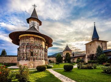 Legenda Manastirii Sucevita: Cateva motive pentru care trebuie sa o vizitezi