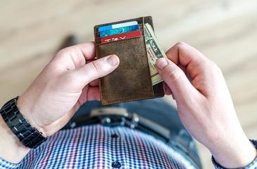 Top 3 moduri in care poti sa previi un impas financiar