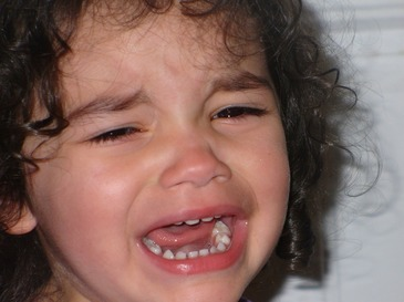 Fetita de 6 ani din Brasov, violata dupa ce a fost ademenita cu ciocolata