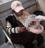 O mama indurerata a fost fortata sa isi care bebelusul mort cu autobuzul sute de mii de kilometri