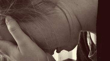 Fata de 14 ani, din Gorj, abuzata sexual de propriul tata. Mama fetei stia totul, dar nu a spus nimic