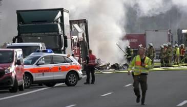 Grav accident rutier produs in Germania: Sapte romani sunt printre victime!