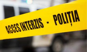 O eleva de liceu si-a ucis colega de clasa din gelozie. Reprezentantii scolii au decis sa suspende cursurile