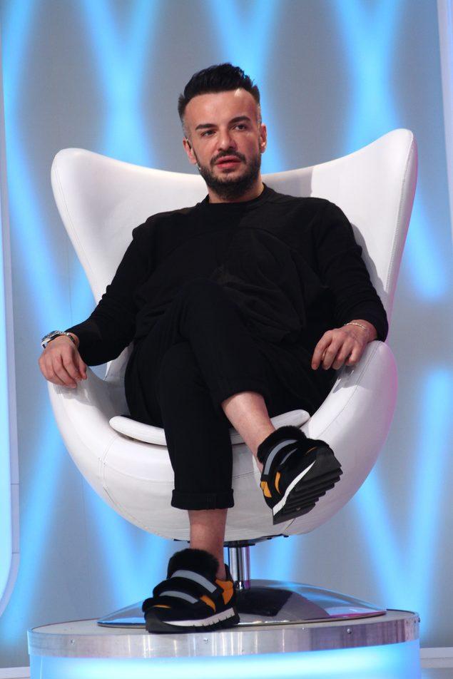 Razvan Ciobanu Ameninţat Cu Pistolul In Timpul Bravo Ai Stil