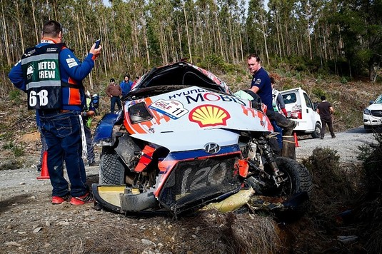VIDEO | Moment horror în etapa de WRC din Chile. Thierry Neuville, accident la peste 200 km/h