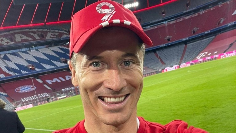 VIDEO | Lewandowski e la un singur gol de recordul all time stabilit de Gerd Muller în Bundesliga